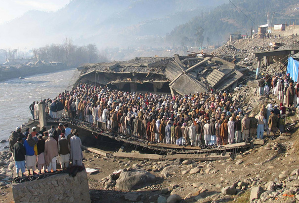 earth quake 8 october 2005 in urdu