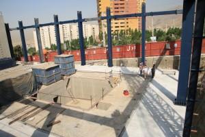 شروع عملیات نصب سازه فولادی آزمایشگاه میز لرزان